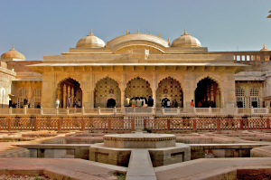 Rajasthan: The Land of Palaces, Maharajas and History